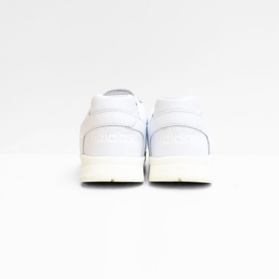 adidas  sneaker  a.r. trainer off white